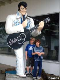9' Tall Guitar-Playing Elvis in Neward, Illinois