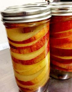 Spiced apple rings in a jar BC Tree Fruits via Chatelaine magazine Pickled Apples Recipe, Dried Apple Rings, Cinnamon Apple Rings, Cooking Rings, Cooking Pasta, Cooking Pork, Canned Blueberries, Canned Apples, Dried Apples