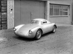 jacqalan:  1953 Porsche 550 Coupe.