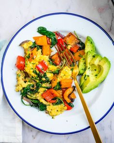 Want to eat more veggies? Make this breakfast vegetables scramble! It's got lots of colorful veggies to start the day right...with a plant based / vegan option. | breakfast ideas | vegetarian recipes | vegetable recipes | scrambled eggs | healthy breakfast recipes | #breakfastvegetables #vegetablesforbreakfast #vegetablescramble #breakfastrecipe #healthybreakfast Vegetarian Cookbook, Vegetarian Recipes, Healthy Recipes, Tofu Recipes, Avocado Recipes, Delicious Recipes, Tasty, Healthy Vegan Breakfast, Eat Breakfast