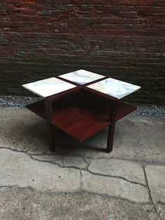 Edmund Spence Onyx and Mahogany Moderne Table: click to enlarge