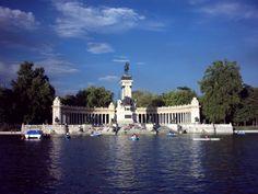 Estanque del Parque del Retiro MADRID