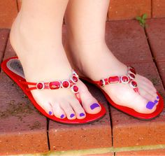 How to wear your Fancy Flats with style. Katie is reviewing our fancy red thongs - flip flops from Fancy Shoe Land and is looking great.