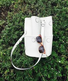 My 3rd bag I designed and made. White polka dot bucket leather bag for this summer . #bucketbag #leatherbag #summerbag #haedraws #designerbag #haedraws #whitebag #leathercraft #가죽공방 #버킷백 #DIY #땡땡이 #화이트백 #가죽가방 #공방 by haedraws