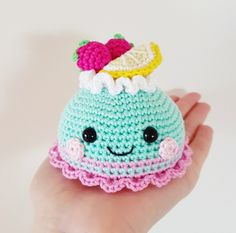 With this pattern by Super Cute Design you will lear how to knit a Pastry / Cake PDF pattern amigurumi crochet step by step. It is an easy tutorial about amigurumi to knit with crochet or tricot. Crochet Pincushion, Crochet Cake, Crochet Amigurumi, Crochet Food, Crochet Dolls, Crochet Toys Patterns, Amigurumi Patterns, Stuffed Toys Patterns, Crochet Unique