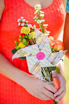 Creative bouquet alternative: Paper pinwheels!