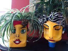 making detergent head planters Plastic Bottle Planter, Plastic Jugs, Plastic Bottle Crafts, Recycle Plastic Bottles, Recycled Planters, Recycled Bottles, Recycled Crafts, Milk Jug Crafts, Plants In Bottles