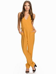 Nelly.com: Melon Jumpsuit - 649 kr