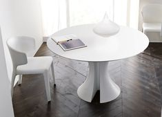 Designing your kitchen with pleasant Modern Round Kitchen Table - http://ipriz.com/designing-your-kitchen-with-pleasant-modern-round-kitchen-table/