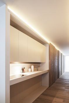 Loft MM / C.T. Architects Kitchenette that is ADA compliant