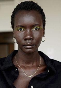 Beauty-Trends vom Runway: Diese Trends dominieren 2021 bei Make-up und Frisuren #makeup #beauty