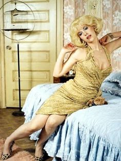 Ellen Greene as Audrey in Little Shop of Horrors. One of my all time favorite movies and performances. Theatre Geek, Musical Theatre, Ellen Greene, Zombie Prom, Horror Pictures, Little Shop Of Horrors, Horror Makeup, Fashion Idol, Plaid Pants