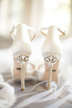 7cb0c63bef087 30 Officially The Most Gorgeous Bridal Shoes
