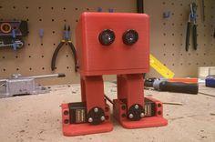 Crea y aprende con Laura: Zowi. #Robot educativo de Bq con programa de telev... Robot, Kids Learning, Create, Robots
