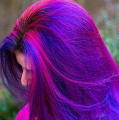 Parlak neon pembe, mor ve mavi renkli galaksi marjinal ilginç tarz saç modeli   Kadınca Fikir - Kadınca Fikir