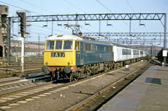 The morning Up Liverpool Pullman passes through Stafford behind Class ac Bo-Bo June 1968 Panned for a sharp pantograph! Electric Locomotive, Diesel Locomotive, Uk Rail, Train Pictures, British Rail, Electric Train, Great Britain, Liverpool, Around The Worlds