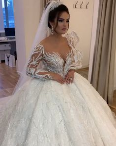 A beautiful dress for your Fancy Wedding Dresses, Stunning Wedding Dresses, Princess Wedding Dresses, Bridal Dresses, Queen Wedding Dress, Expensive Wedding Dress, Crystal Wedding Dresses, Princess Flower Girl Dresses, Luxury Wedding Dress