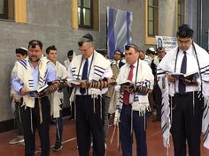 Rome's Jews pray in memory of the Jerusalem synagogue attack victims, @micoldebash reports http://htz.li/Rd