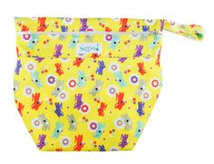 Oh Deer!  On-the-Go Wet/Dry Bag – Nuggles Designs CanadaOur On-the-Go Wet/Dry Bag is the PERFECT double compartment wetbag for daytime outings, daycare, swim/gym class. Just bring it all home and wash! Holds 6-8 cloth diapers and keeps wet and dry items separate.