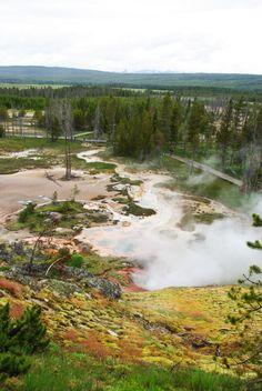 Artist Paintpots - site géothermique à #Yellowstone #EtatsUnis #Wyoming