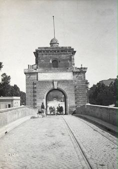 Ponte Milvio (1890-1901) ...e le immancabili rotaie del tram...