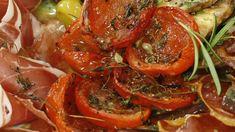 Ovnstørkede tomater med timian – NRK Mat – Oppskrifter og inspirasjon Shrimp, Meat, Vegetables, Food, Essen, Vegetable Recipes, Meals, Yemek, Veggies