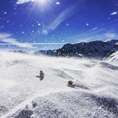 A bit too windy for BB-8...he lost his hat ! . . . #ski #snow #pyrenees #neige #starwars #bb8 #lego #legostarwars #legogram #legostagram #instalego #bricks #bricksinfocus #afol #minifigure #gommzy
