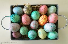 Speckled Easter Eggs - dye-ing to try this easy technique some year that looks awesome (if the pictures don't lie . . .)