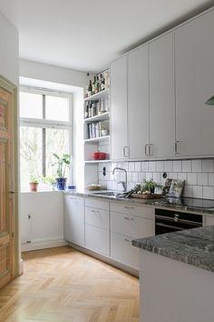 Interior Design Plants, Interior Design Work, Interior Exterior, Kitchen Interior, Interior Design Living Room, Kitchen Design, Kitchen Dinning, Kitchen And Bath, Kitchen Decor