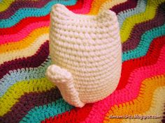 Alma Mishto de Cora King: Gato Mishto Kawaii Crochet, Yarn Crafts, Lana, Slippers, Website, Gift, Craft, Knitted Animals, Gatos