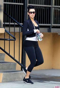 Kim & Kourtney Work Out Together Celebuzz! Gym Style, Workout Style, Kim And Kourtney, I Love Fashion, Women's Fashion, Kardashian Style, How To Look Pretty, Shape Wear, Fitness Fashion
