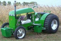 Super looking mini deere puller Old John Deere Tractors, Small Tractors, Compact Tractors, Antique Tractors, Vintage Tractors, Lawn Mower Tractor, Lawn Tractors, Garden Tractor Pulling, Truck And Tractor Pull