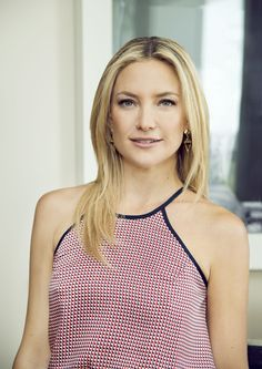 Kate Hudson Dark Roots  - MarieClaire.com