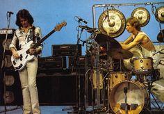 John Wetton and Bill Bruford 70s Music, Music Pics, Rock Music, 21st Century Schizoid Man, Bill Bruford, John Wetton, Alan White, Steve Howe, Jaco Pastorius