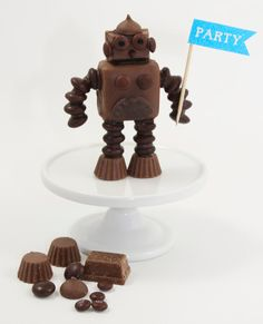 We'll never look at miniature peanut butter cups the same way again. #DIY #robots