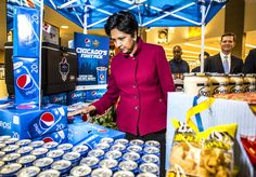 Indra Nooyi CEO of Pepsico touring Pete's Fresh Market in Chicago. Indra Nooyi, Best 3d Printer, Fresh Market, Now What, Pepsi, Work Fashion, Business Women, How To Memorize Things, Suit Jacket