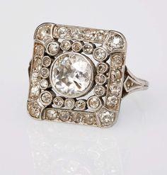 Ring quadrat. m. Altschliff-Diam. Piqué, um 1900, versch. Altschliff-Diamanten u.8-kant-Diamanten — Schmuck