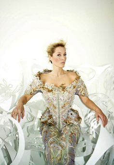 Gillian Anderson, Ice Queen of the Greys?