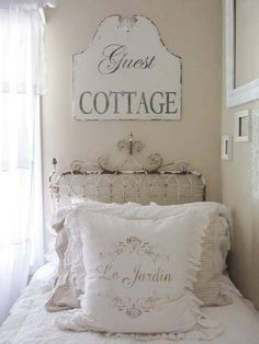 5 Mind Blowing Useful Tips: Shabby Chic Chambre Diy shabby chic farmhouse office.Shabby Chic Wall Decor Kitchen shabby chic home accessories. Junk Chic Cottage, Shabby Cottage, Cottage Style, White Cottage, French Cottage, Cottage Design, Cottage Ideas, Shabby Chic Bedrooms, Shabby Chic Homes