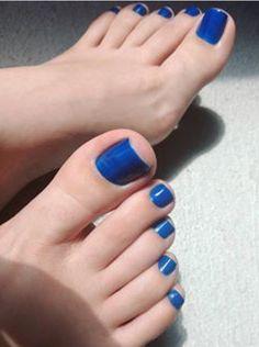 Blue Toe Nails, Pretty Toe Nails, Toe Nail Color, Feet Nails, Pretty Toes, Creative Nail Designs, Toe Nail Designs, Long Toenails, Nice Toes