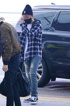 151025: EXO Byun Baekhyun; Incheon Airport to Shanghai Airport #exok #fashion #style #kfashion #kstyle #korean #kpop