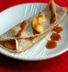 Crêpes sucrées aux pommes et caramel au beurre salé - Recettes de cuisine Ôdélices