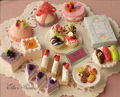 Miniature cake by Cherie Fleuge, via Flickr