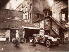 Cour, 7 rue de Valence Eugène Atget 1922