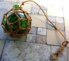 macrame hanging demijohn Recycled Glass Bottles, Earth Tones, Recycling, Knots, How To Make, Crafts, Room, Home Decor, Bedroom