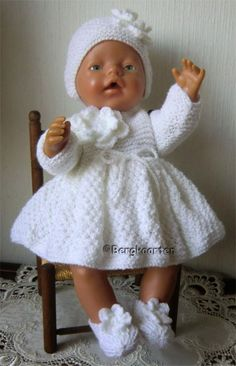 New Ideas Baby Born Kleertjes Knitting Dolls Clothes, Crochet Doll Clothes, Knitted Dolls, Doll Clothes Patterns, Crochet Baby Cocoon, Newborn Crochet, Baby Blanket Crochet, Baby Girl Romper, Baby Dress