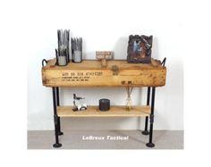Munitions en bois boîte à Table. Meuble militaire vintage.