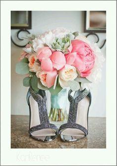 #bouquet #flowerpower #floraldesign #colors #scent #fleur #sartoriafloreale #wedding