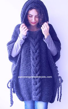 How to knit poncho two needles step by step Poncho Knitting Patterns, Knitted Poncho, Knitted Hats, Knit Crochet, Crochet Hats, Quilted Vest, Casual Skirt Outfits, Couture, Baby
