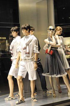 http://photos.fashiongroup.com/2009-03-19/464200/2048/d_and_g_4_m.jpg/cfcb57654e72bcb05282657a597339db/58d53d38
